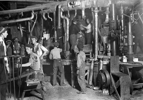 indianna-glass-factory-night-shift-year-1908