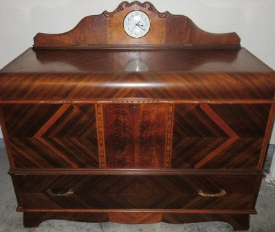 ed-roos-cedar-chest