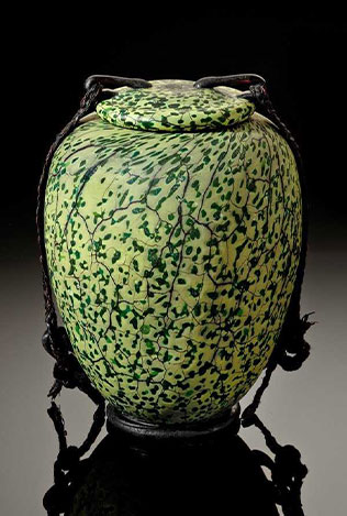 William-Morris-urn-2
