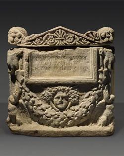 roman-marble-Cinerary-Urn-3