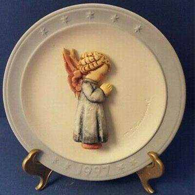 1997-Annual-Christmas-Plate-Hum-694-Thanksgiving-Prayer