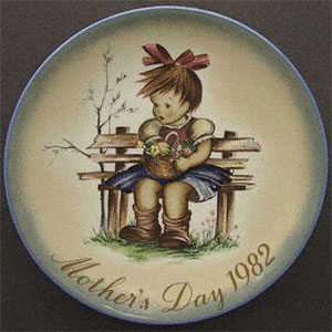 Untitled-3schmid-berta-hummel-mothers-day-plate-1982-The-Flower-Basket