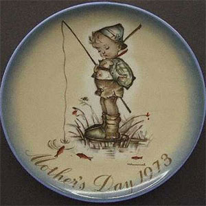 schmid-berta-hummel-mothers-day-plate-1973-The-Little-Fisherman