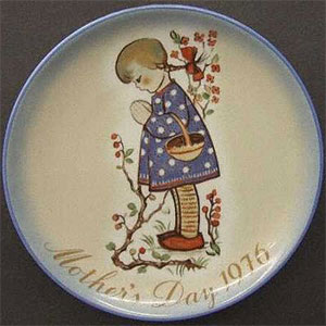 schmid-berta-hummel-mothers-day-plate-1976-Devotion-for-Mother