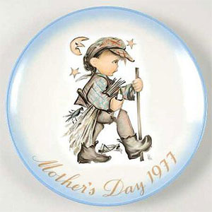 schmid-berta-hummel-mothers-day-plate-1977-Moonlight-Return