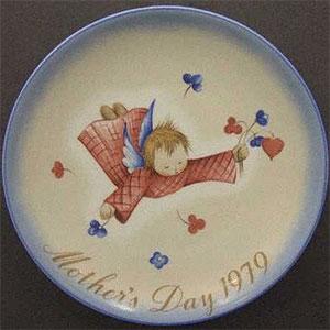 schmid-berta-hummel-mothers-day-plate-1979-Cherub's-Gift