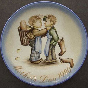 schmid-berta-hummel-mothers-day-plate-1980-Mother's-Little-Helpers