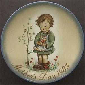 schmid-berta-hummel-mothers-day-plate-1983-Spring-Bouquet