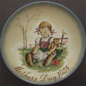 schmid-berta-hummel-mothers-day-plate-1984-A-Joy-To-Share