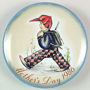 schmid-berta-hummel-mothers-day-plate-1986-Home-from-School