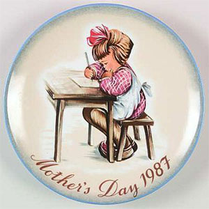 schmid-berta-hummel-mothers-day-plate-1987-Mother's-Little-Learner