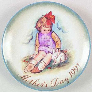 schmid-berta-hummel-mothers-day-plate-1991-Soft-and-Gentle